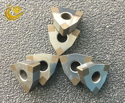 PCBN welding blade is the PCBN whole sheet and composite sheet cut into various shapes head, and then welded to the ceme